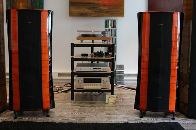 dong loa Sonus Faber Elipsa red hay