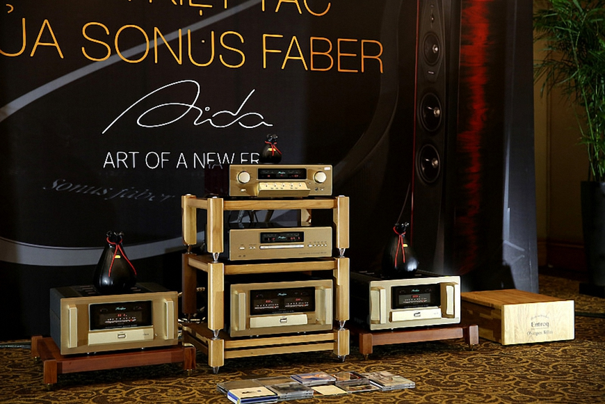 pre ampli Accuphase C-3850 hay