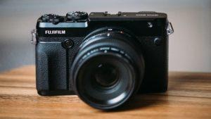 May anh Fujifilm GFX 50R