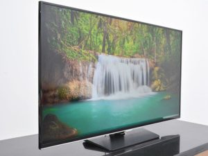 TV LED Samsung UA40H5510 chuan