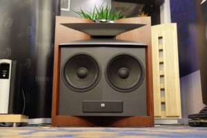 loa jbl everest 67000